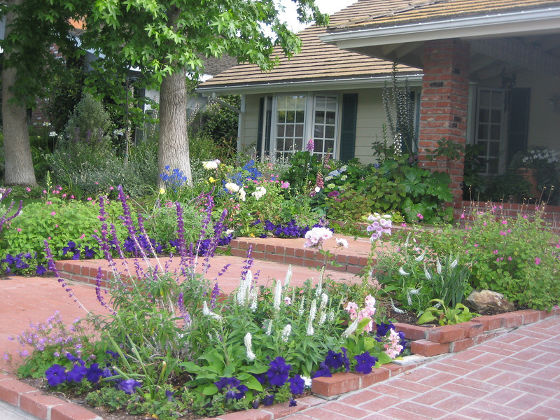 Cottage garden landscape design photos for Cottage garden design